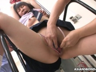 Kaori Kawada pays for the groceries with trimmed pussy