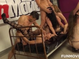 Group sex with Larissa Gold, Barbie Buster and Sissiemaus