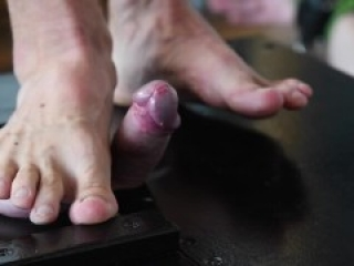 Trampling balls in trample box and milking (servilejerome sessions with muscleman continued)
