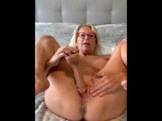 Creamy Pussy filled with the Dildo