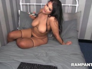 Hot Brunette Shaking Her Sexy Booty