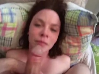 Homemade blowjob belgian amateur girl from vrouwtjes.be