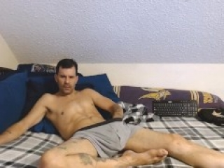 So much for bedtime ;- My cock wants its realease...I been building up for days now watch or call!!